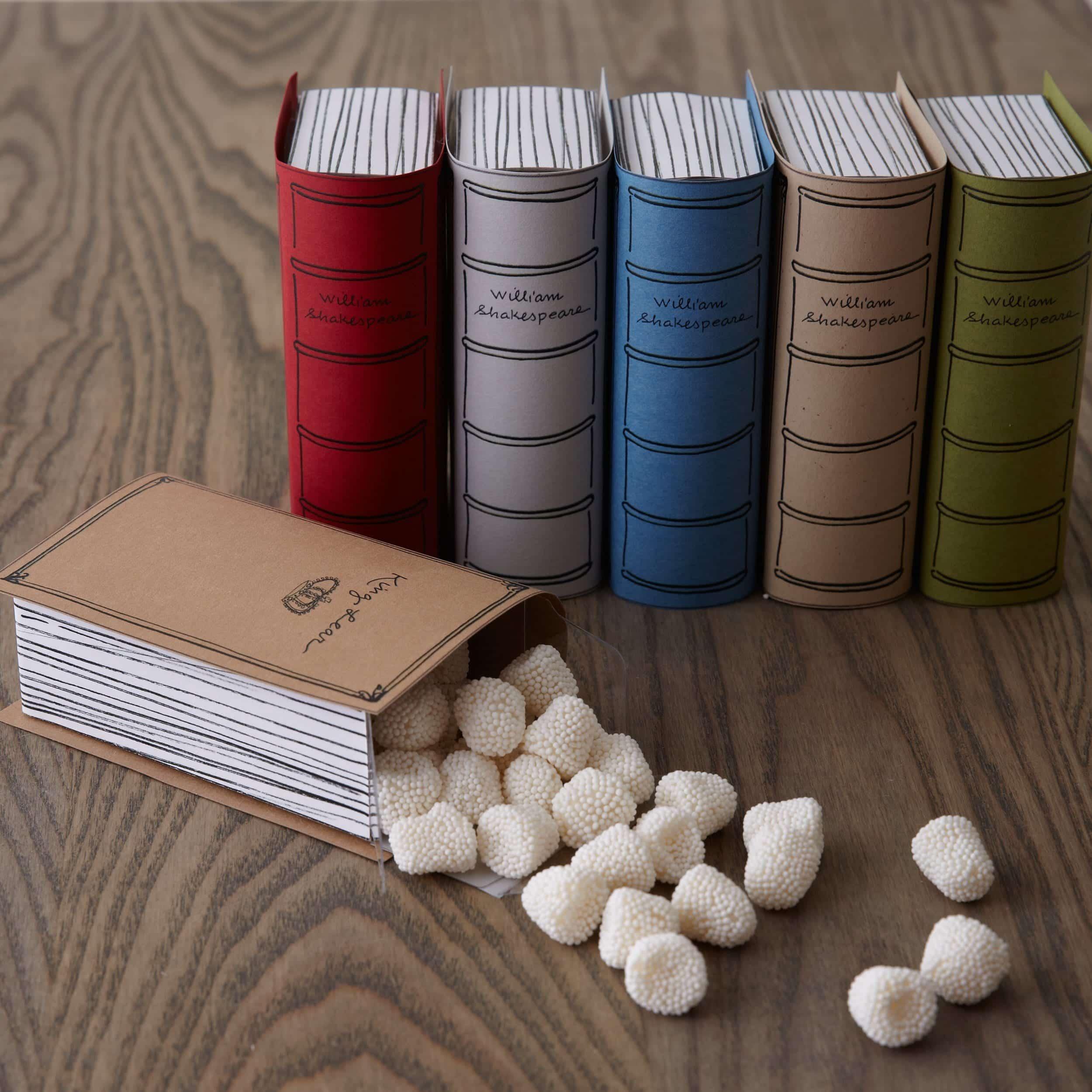 books-02_crop_web