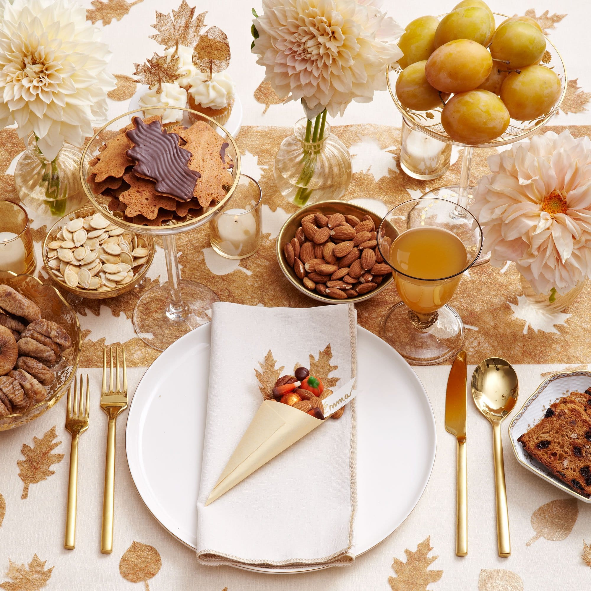 thanksgiving table decorations gold leaves thanksgiving table decor darcy miller designs 30814