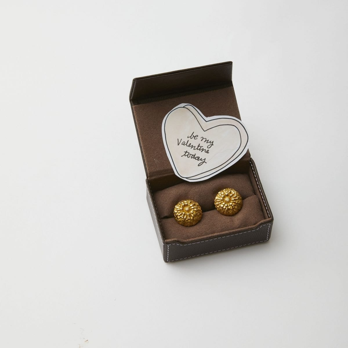 Darcy Miller Designs, Cufflinks with paper heart, Valentines, love note, conversation heart, paper heart, candy heart, gift, small gift, secret note, be my valentine, easy, Darcy Miller, DIY