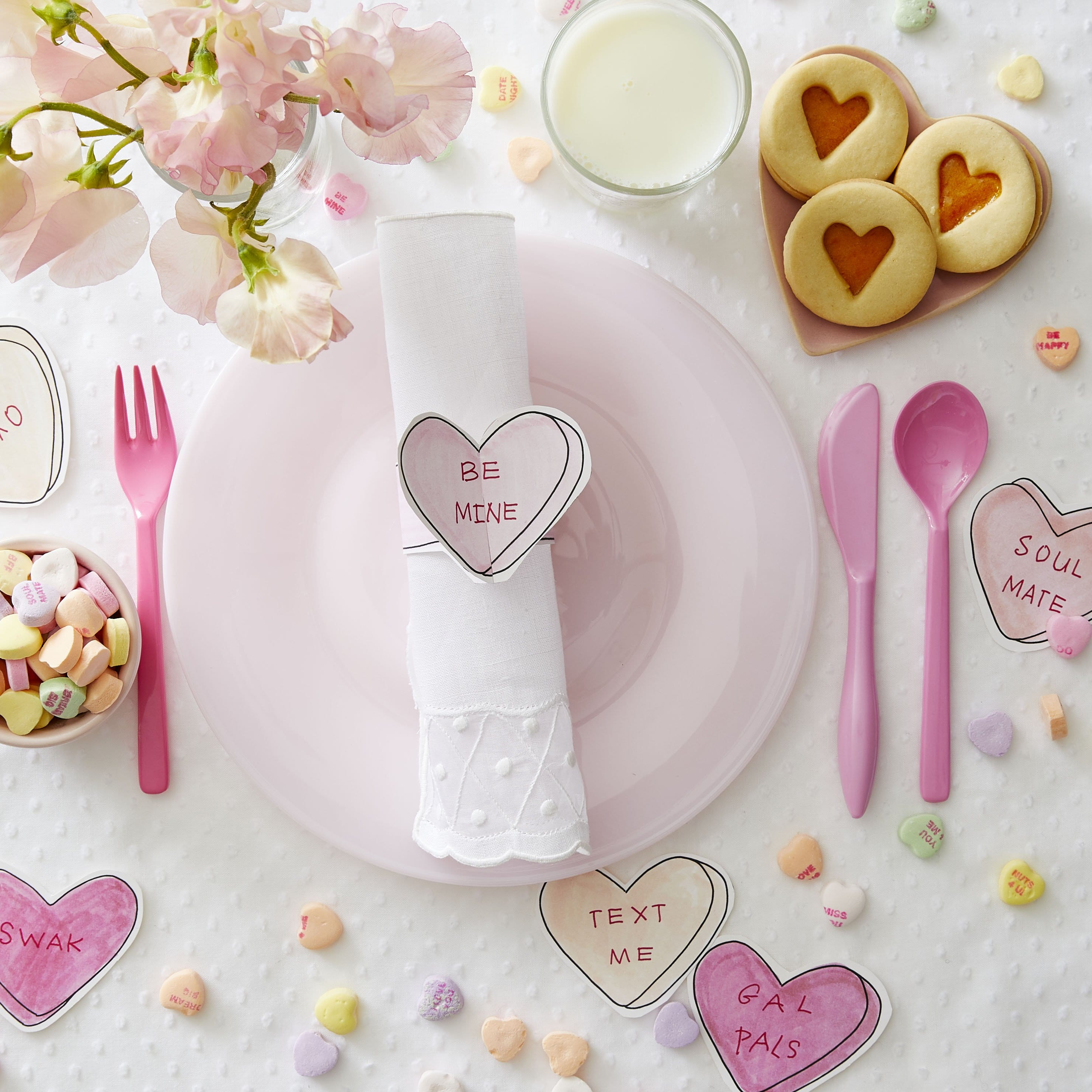 Darcy Miller Designs, Napkin ring, Valentines, love note, conversation heart, paper heart, candy heart, napkin ring, paper table setting, easy, downloadable, hostess, Galentines, be mine, xoxo, Darcy Miller, DIY