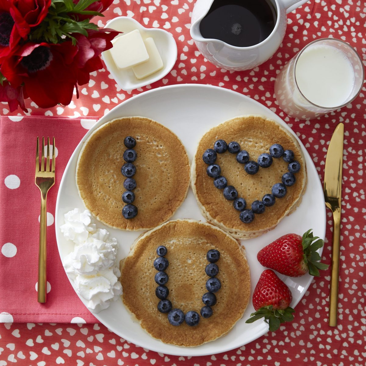 Darcy Miller Designs, Valentine Breakfast, Valentines, breakfast, I heart you, love note, pancakes, berries, blueberries, sweet breakfast, breakfast table, easy snack, Darcy Miller, DIY